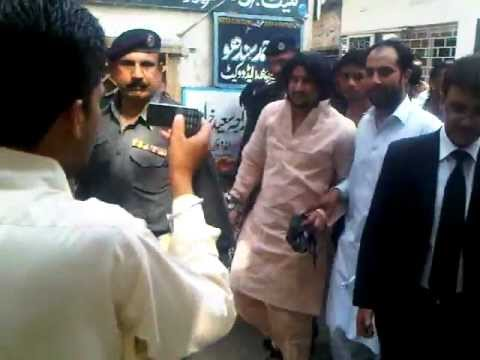 Raja Kaleem Tiger appears in the distt court rwp. great scenes