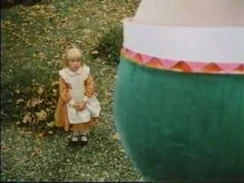 Scary Alice Meets Humpty Dumpty Scene Music Videos