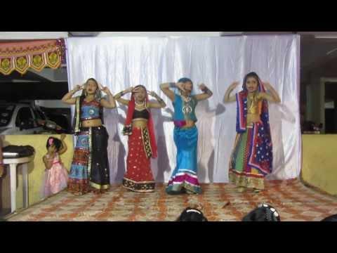 Kasvi and Friends performing  remix of old Hindi song Mera Babu...