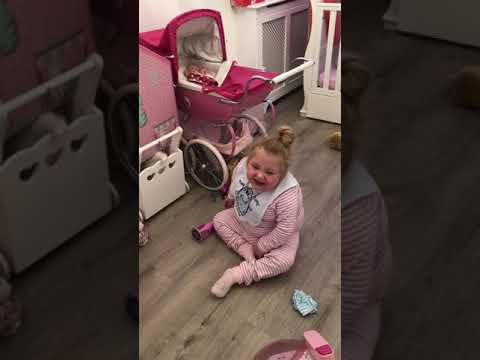 🎀💕 Trying To Get Lexi To Tidy Up Ends Up Singing 💋💋