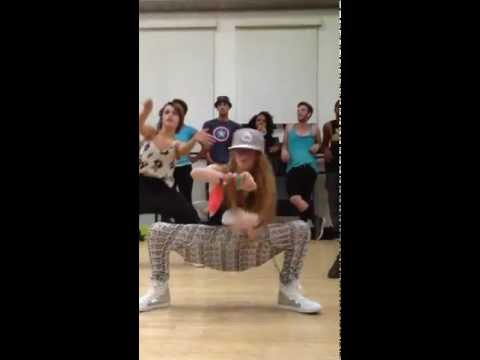 Larsen Thompson Dancing to 