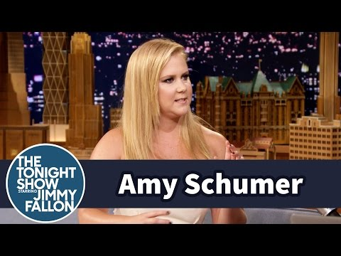 """Amy Schumer Took Katie Couric's Phone, Texted Her Husband """"Anal Tonight"""""""