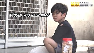 Poor blind man gives kid money - Maxmantv