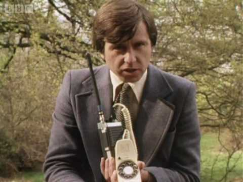 Tomorrow's World: Mobile Phone 13 September 1979 - BBC