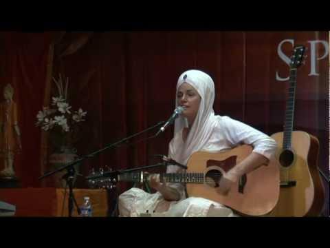 Sat Kartar Kaur Sat Kartar Kaur Sings Sat