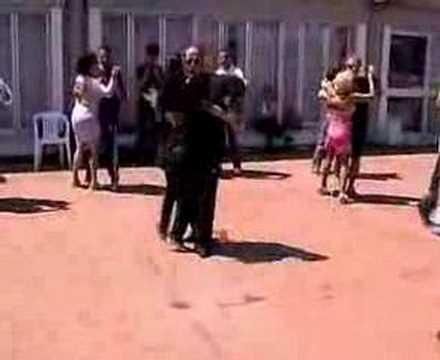 Bailando Bachata Video