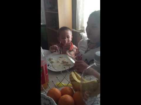 Noah feed ate ela