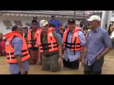 Najib dan Zambry berPoligam dalam banjir di Perak