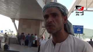 العائدون من ليبيا: الوضع سيئ والناس بتموت.. والسفير حصل منا ٣٥ دينار لدخول تونس