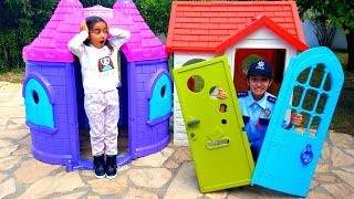 Esma Playhouse door was broken fun kid video