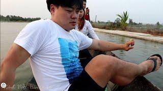 Cười đau bụng🤣Lần đầu rể Hàn Quốc bơi xuồng. Chị 2  xuất hiện 🇻🇳299
