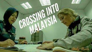 [Eps. 34] CROSSING INTO MALAYSIA - Royal Enfield Himalayan BS4 - Georgetown, Penang
