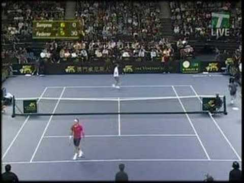 4 Aces in a row by Federer against Sampras, who reacts funny