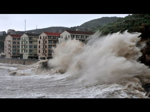 Typhoon Fitow slams into China hits eastern China after mass evacuation