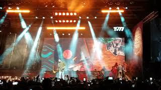 """""""Escreve aí"""" by Luan Santana live in Altice Arena"""
