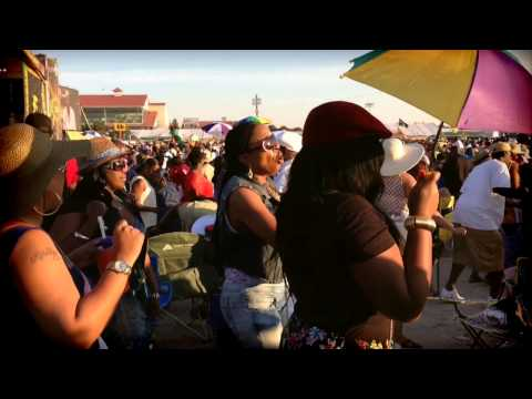 New Orleans Jazz Fest doing the Electric Slide To Maze featuring Frankie Beverly