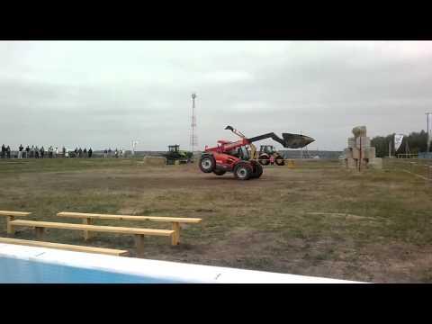 французский трактор и его возможности.mp4