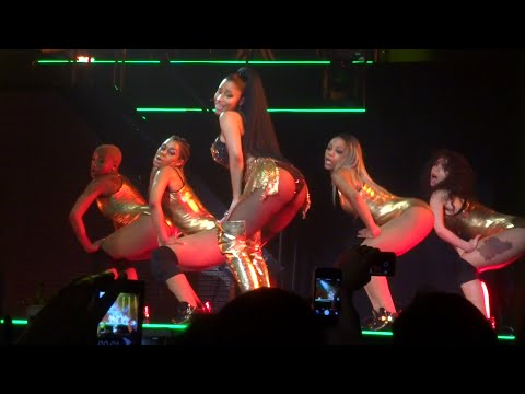 download lagu Nicki Minaj - Anaconda Live @ Paris 26.0 gratis