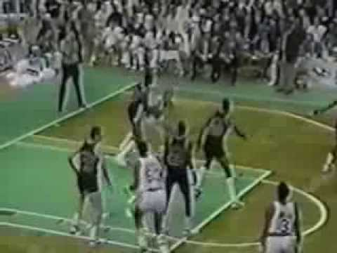 Larry Bird (44pts/11rebs/8asts) vs. Clyde Drexler (36pts/8rebs/8asts) (1988)