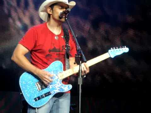 Brad Paisley front row monster guitar tone