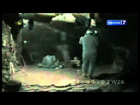 media dua dunia rumah hantu darmo part 1 24 11