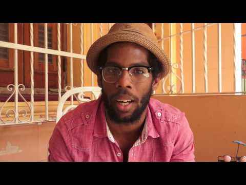 Alexander Benavides, diseñador, compositor, director, actor / Cuba