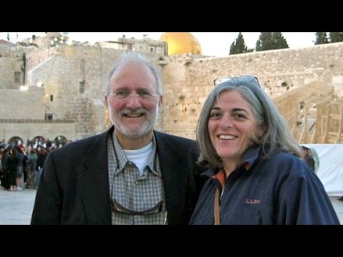 Alan Gross, an American prisoner held in Cuba, has been granted his freedom. CNN\'s Elise Labott reports.