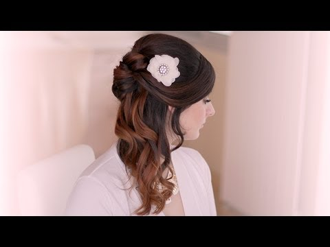 Holiday hair tutorial: half up half down hairstyle with curls