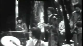 Pink Floyd Video - Pink Floyd - Syd Barrett - See Emily Play - Live Top of the Pops 1967 (rare)