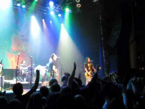 Less Than Jake - Help Save the Youth of America from Exploding LIVE (Ska, Sublime, American Idol)