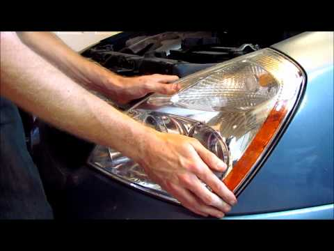 Kia Sedona/Carnival Headlight Bulb Replacement