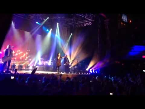 Kari Jobe - All To Jesus I Surrender