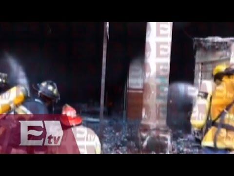 Se incendia tienda de telas en Uruapan, Michoacán / Vianey Esquinca