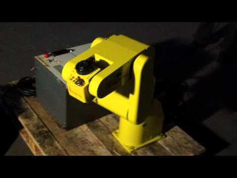 Robot Fanuc LRMate 100i with RJ2 control at reprobots.net