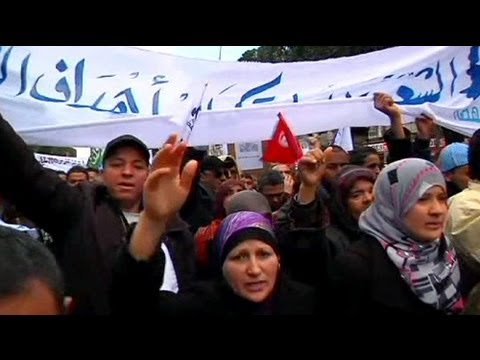 Tunisia Islamists march for Ennahda's 'right to govern'