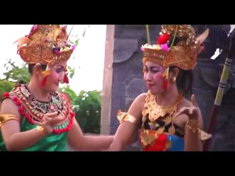 Kecak Dance - Balinese Culture Show (Part One)<br />