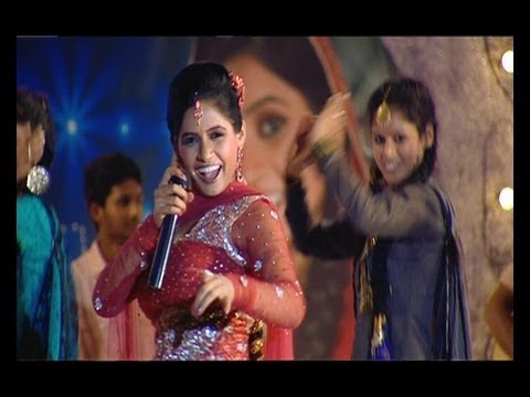 MUKHDA OFFICIAL VIDEO - MISS POOJA LIVE IN CONCERT 2 (JUGNI) -...