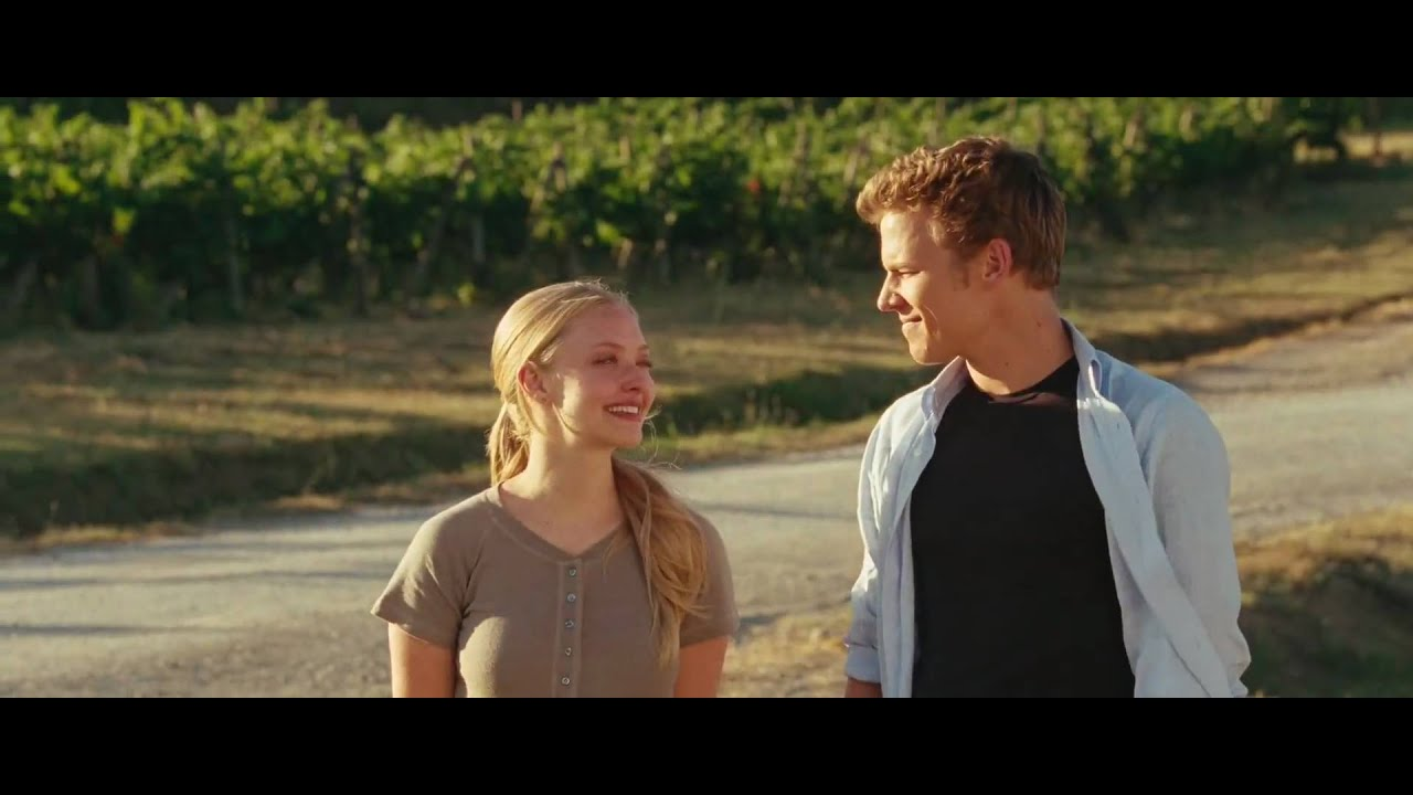 LETTERS TO JULIET - Official MOVIE TRAILER - YouTube