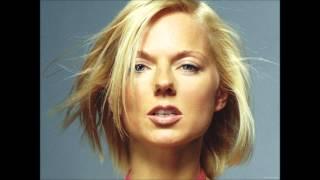 Watch Geri Halliwell Calling video