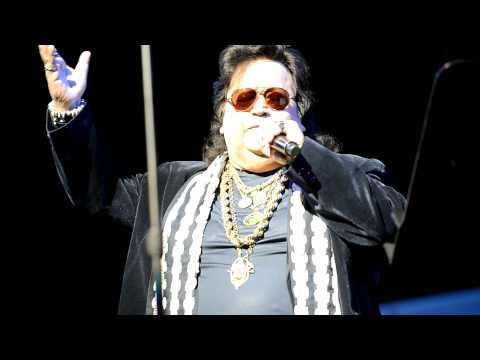 Bappi Lahiri Live In Dallas - Dil Me Ho Tum video