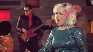 Watch Alice Russell Let Us Be Loving video