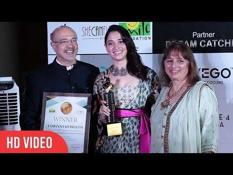 Tamannaah Bhatia at Dadasaheb Phalke Awards 2018   Outstanding Performance Female Bahubali thumbnail