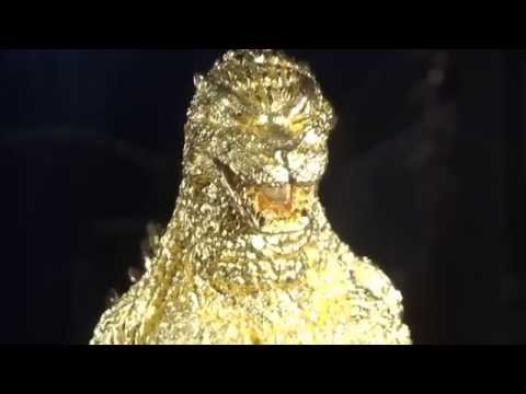 Pure Gold Godzilla (priced at 150 million Japanese Yen):1億5000万円の純金ゴジラ