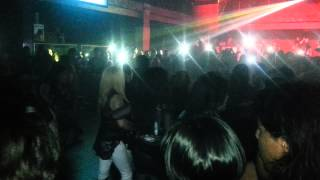 LA BOOM NIGHT CLUB (MUJERES BAILANDO ROCK)