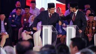 Momen Prabowo Joget Saat Ditanya Soal Mantan Koruptor Nyaleg - Pemilu Rakyat 17/01