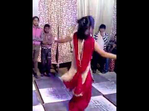 Desi Indian Girl Hot Sexy Actions Dance..indian Girl Dance video