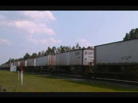 CSX Q174 Intermodal Train at Folkston, GA