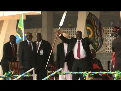 Tanzania's John Magufuli sworn into presidential office