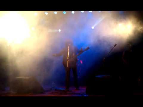 Sohorer Usnotomo Dine Live (bangla Band Blood) video