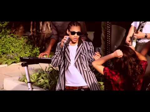 Bluey Robinson - Showgirl
